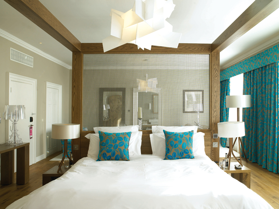 home design idea: Bedroom Decorating Ideas Using Teal And Orange